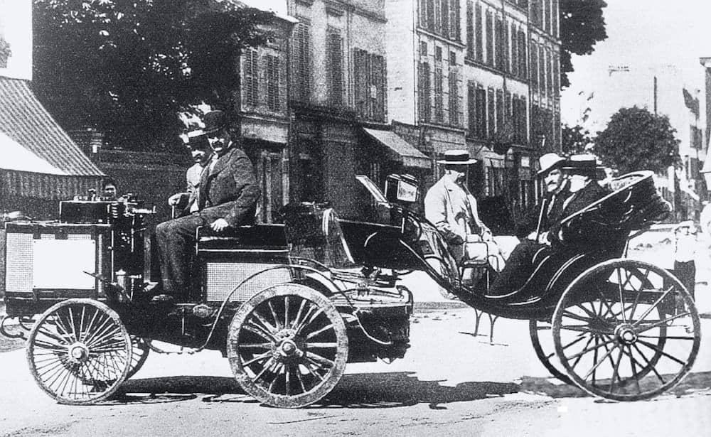 Count Albert de Dion driving De Dion, Bouton & Trépardoux steam tractor at 1894 Paris-Rouen race